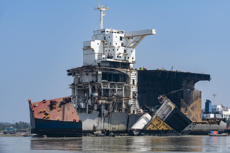 Travel Bangladesh,Huge container ship ready to getting break up